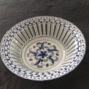 Beautiful decoration only plate/bowl. New without